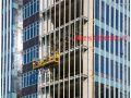 我公司2018年4月完成万达广场福清项目第一批外墙玻璃更换