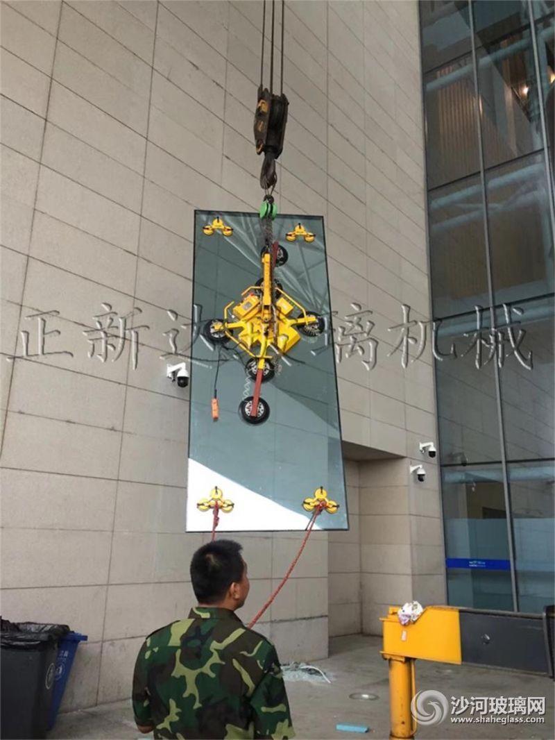 吊运玻璃小于120KB(1)